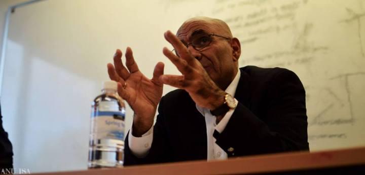 Professor Amin Saikal, Direktur  Pusat Studi Islam dan Arab di The Australian National University (ANU)
